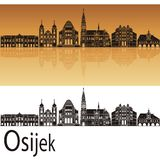 Skyline de Osijek no fundo alaranjado fotografia de stock