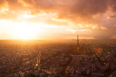 Skyline de Paris com torre Eiffel Imagens de Stock Royalty Free