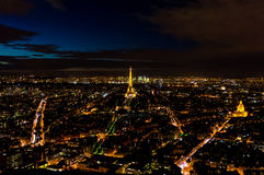 Skyline de Paris na noite Imagens de Stock