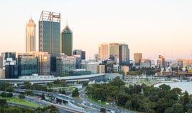Skyline de Perth no crepúsculo Foto de Stock Royalty Free