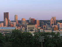 Skyline de Pittsburgh no por do sol Imagens de Stock Royalty Free