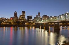 Skyline de Portland Oregon no crepúsculo Fotografia de Stock Royalty Free