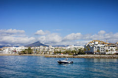 Skyline de Puerto Banus na Espanha Imagens de Stock