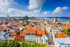 Skyline de Rostock, Alemanha Fotografia de Stock
