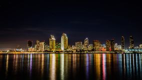 Skyline de San Diego na noite fotos de stock