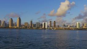 Skyline de San Diego no por do sol vídeos de arquivo