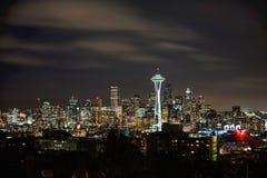 Skyline de Seattle e agulha do espaço como visto de Kerry Park fotos de stock