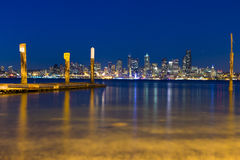 Skyline de Seattle na hora azul Foto de Stock Royalty Free