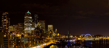 Skyline de Seattle Washington na noite Foto de Stock