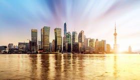 Skyline de Shanghai Pudong no nascer do sol, China Fotos de Stock Royalty Free