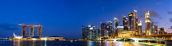 Skyline de Singapura e ideia do panorama de Marina Bay Fotografia de Stock Royalty Free
