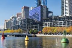 Skyline de Southbank e rio de Yarra, Melbourne, Austrália Imagem de Stock