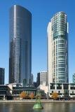 Skyline de Southbank e rio de Yarra, Melbourne, Austrália Foto de Stock Royalty Free
