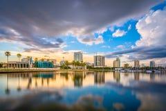 Skyline de St Petersburg, Florida, EUA Imagens de Stock Royalty Free