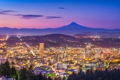 Skyline de Tacoma, Washington, EUA imagem de stock royalty free