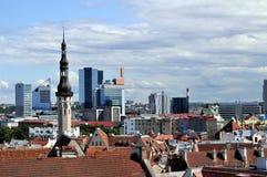 Skyline de Tallinn, Estónia imagens de stock royalty free