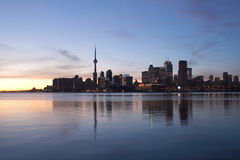 Skyline de Toronto no por do sol Fotos de Stock Royalty Free