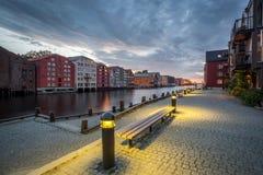Skyline de Trondheim pelo rio dos nidaros (nidelva) e pelo bakklandet Fotos de Stock Royalty Free