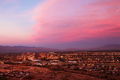 A skyline de Tucson no por do sol Fotografia de Stock Royalty Free