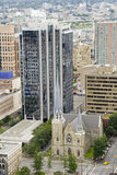 Skyline de Vancôver - igreja antiga e arranha-céus novos Fotografia de Stock Royalty Free