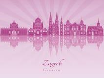 Skyline de Zagreb na orquídea brilhante roxa imagens de stock
