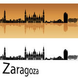 Skyline de Zaragoza no fundo alaranjado Imagens de Stock