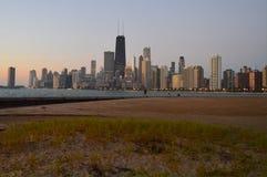 Skyline an der Dämmerung Stockfoto