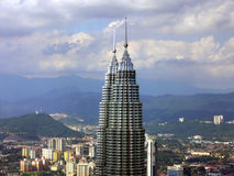 Skyline der Petronas-Kontrolltürme Stockfotos