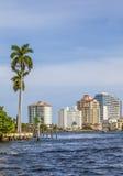 Skyline des Fort Lauderdale vom Kanal Stockfoto