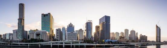 Skyline des frühen Morgens von Brisbane, Australien lizenzfreies stockfoto