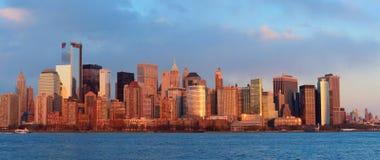 Skyline do centro de Manhattan Imagens de Stock