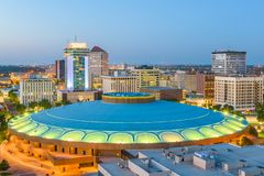 Skyline do centro de Wichita, Kansas, EUA imagens de stock royalty free