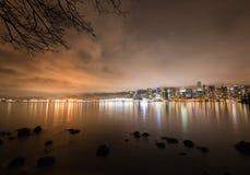Skyline do centro na noite, Canadá de Vancôver BC Fotos de Stock