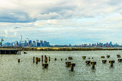 Skyline do Lower Manhattan vista de Staten Island Foto de Stock Royalty Free