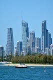 Skyline do paraíso dos surfistas - Gold Coast Queensland Austrália Fotografia de Stock Royalty Free