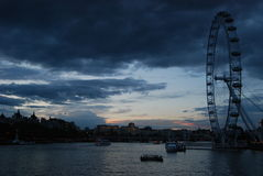 Skyline do por do sol de Londres Imagens de Stock Royalty Free