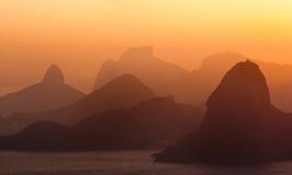 Skyline do por do sol de Rio de Janeiro Skat Fotos de Stock Royalty Free