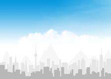 Skyline e céu azul com nuvens Imagens de Stock Royalty Free