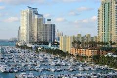 Skyline e doca de Miami Imagens de Stock