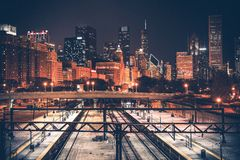 Skyline e estrada de ferro de Chicago Imagem de Stock Royalty Free