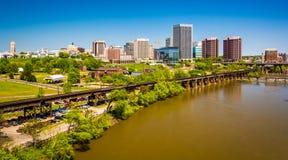 A skyline e o James River em Richmond, Virgínia Fotografia de Stock
