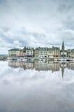 Skyline e porto de Honfleur com reflexão. Normandy, França fotografia de stock royalty free