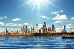 Skyline e porto de Kuwait Fotografia de Stock