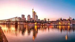 Skyline, Eiserner Steg, Francoforte - am - cano principal Fotos de Stock