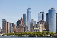 Skyline em um dia ensolarado, EUA de Manhattan foto de stock