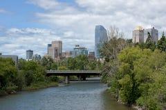 Skyline gesehen über vom Fluss. Lizenzfreie Stockfotografie