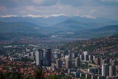 Skyline horizontal do Jerusalém europeu bonito de Sarajevo fotografia de stock
