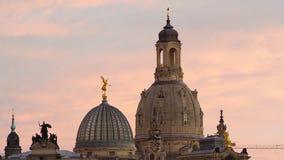 Skyline iluminada de Dresden na luz da noite Fotografia de Stock