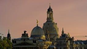 Skyline iluminada de Dresden no ligh da noite Foto de Stock