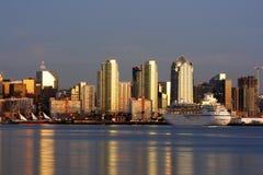 Skyline. Im Stadtzentrum gelegenes San Diego, Ca Lizenzfreie Stockbilder